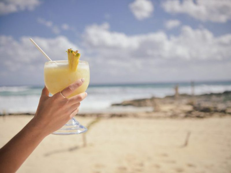 Where are the Best Beachfront Bars in Myrtle Beach?