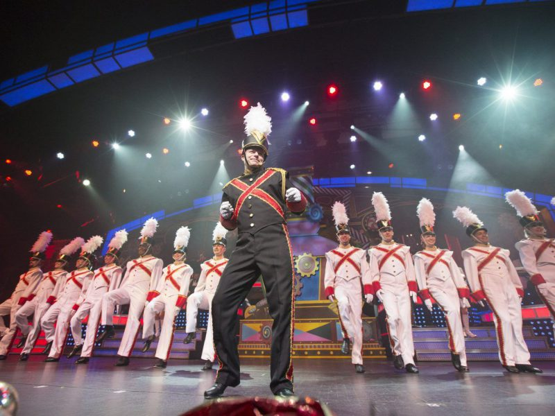 Pigeon Forge Christmas Shows: 6 of the Best