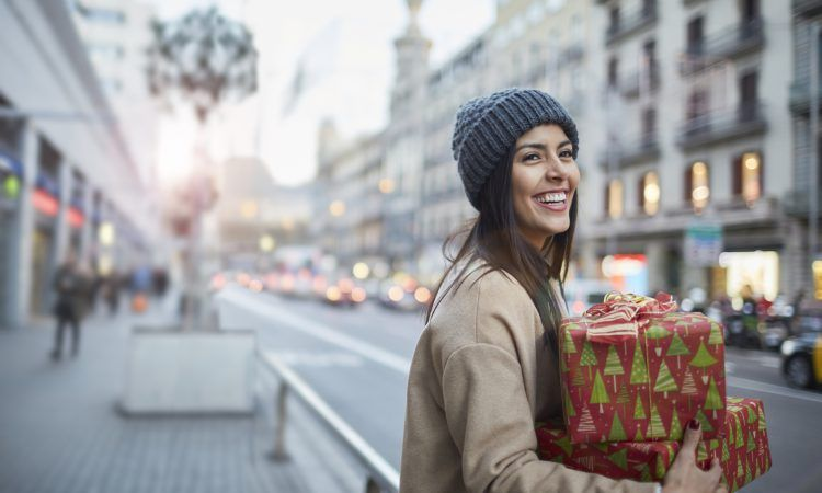 Christmas Gifts for Travelers: What to Buy for Every Budget
